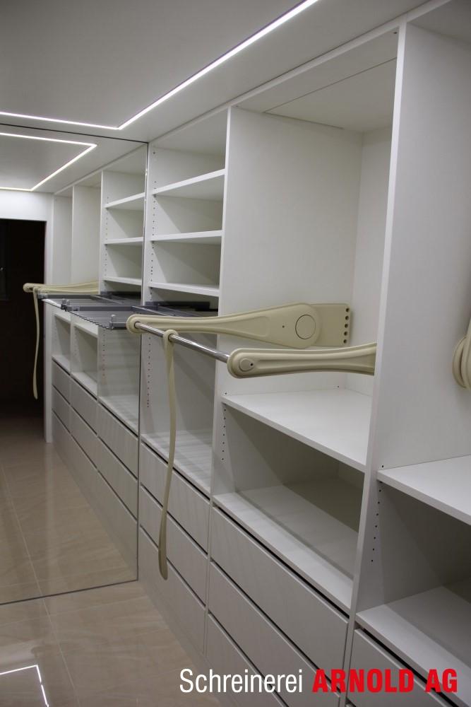 begehbarer schrank schreinerei arnold ag. Black Bedroom Furniture Sets. Home Design Ideas